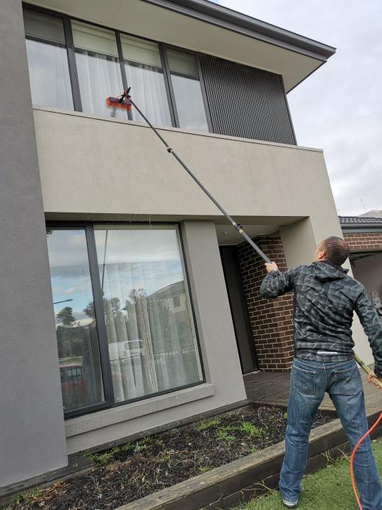 residential window washing image